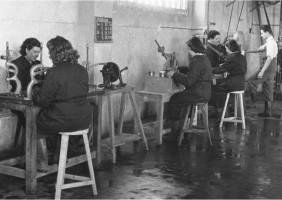 1950: Línea de producción Feliubadaló